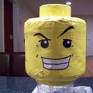 Bild för 'Legohead'