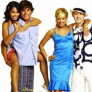 Bild für 'Troy, Gabriella, Ryan & Sharpay'