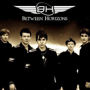Bild för 'Between Horizons'