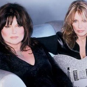 Image for 'Ann & Nancy Wilson'