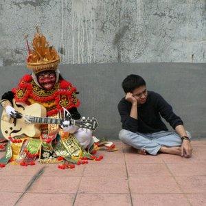 Bild für 'Tesla Manaf feat Mahagotra Ganesha'