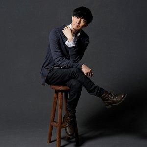 Image for '윤건'