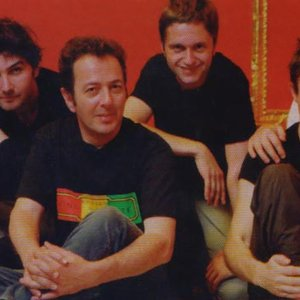 Imagen de 'Joe Strummer and the Mescaleros'