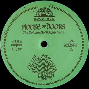 Image pour 'House of doors'