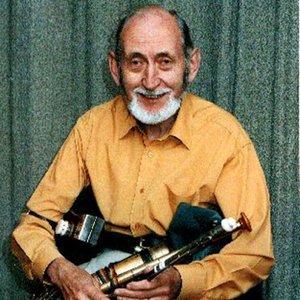 Bild für 'Tomás Ó Canainn'