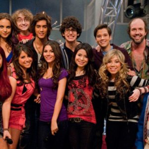 Immagine per 'iCarly & Victorious Casts'