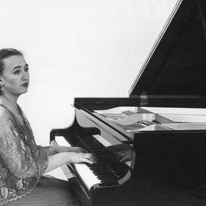 Immagine per 'Viktoria Postnikova, Piano'