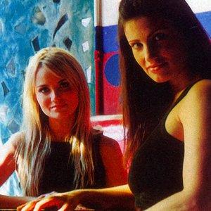 Bild für 'Idina Menzel and Kristin Chenoweth'
