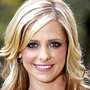 Image for 'Sarah Michelle Gellar, Abbey McBride, and ClarKent'