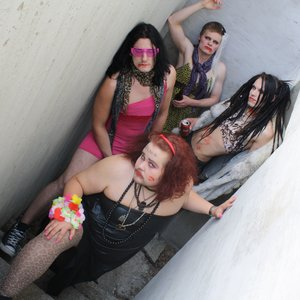 Image for 'crack queens'