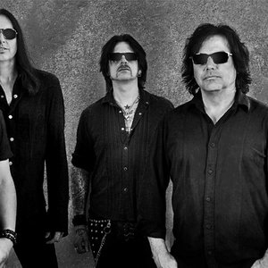 Immagine per 'Black Star Riders'