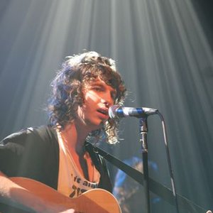 """The Kooks (acoustic set in NY)""的封面"