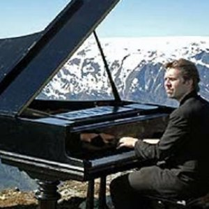 Image for 'Leif Ove Andsnes/Bergen Philharmonic Orchestra/Dmitri Kitayenko'