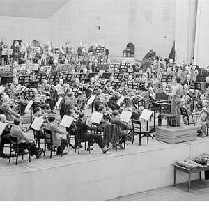 Image for 'Münchner Philharmoniker, Sergiu Celibidache'