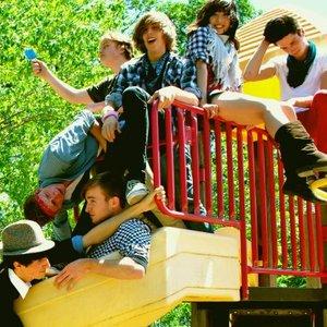 Imagem de 'We Valedictorians'