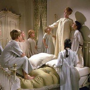 Imagen de 'Julie Andrews;Charmian Carr;Heather Menzies;Nicholas Hammond;Duane Chase;Angela Cartwright;Debbie Turner;Kym Karath'