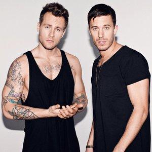 Imagen de 'Nik & Jay'