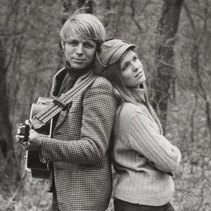 Imagem de 'Chuck & Mary Perrin'