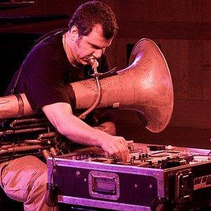 Imagen de 'Wolff and Tuba'