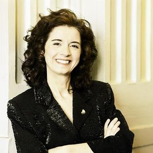 Bild för 'Lorraine Desmarais'