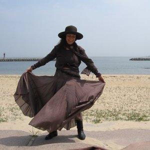 Image for 'Alicia Bay Laurel'