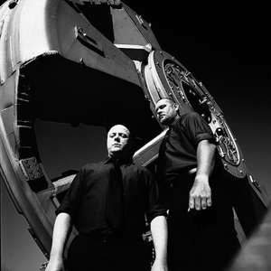 Immagine per 'VNV Nation'