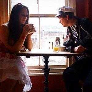 Imagem de 'Paisley and Charlie'