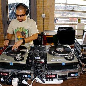 Bild för 'DJ Mel'