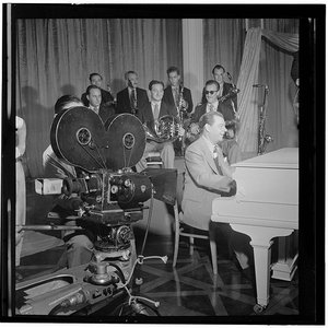 Image for 'Claude Thornhill and His Orchestra'