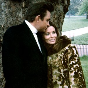 Image pour 'Johnny Cash & June Carter Cash'