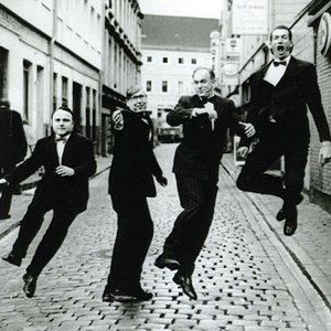 Image for 'Ulrich Tukur & die Rhythmus Boys'