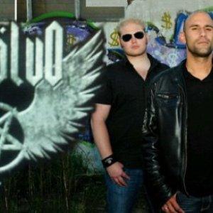 Bild för 'Revölvo'