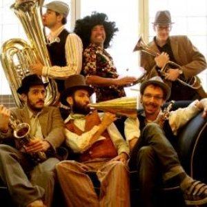 Bild für 'Million Dollar Mercedes Band'