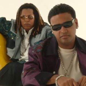 Bild für 'Zion y Lennox'