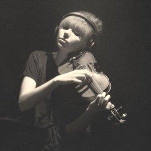 Imagen de 'Poppy Ackroyd'