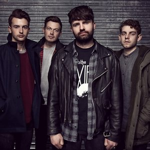 Bild för 'Lower Than Atlantis'