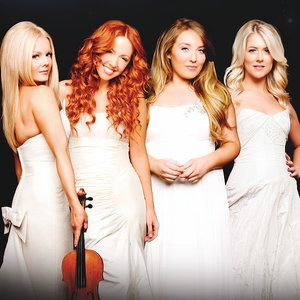 """Celtic Woman""的封面"