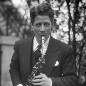 Image for 'Rudy Valee & His Connecticut Yankees'