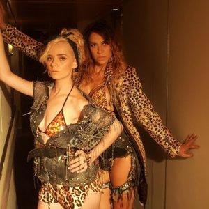 Image for 'Amannda & Lorena Simpson'