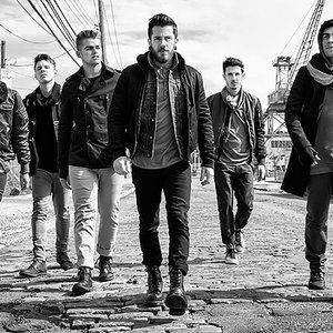Bild för 'Crown the Empire'