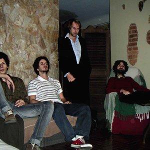 Bild för 'Les Responsables'