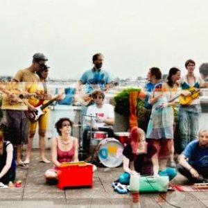 Imagem de 'Orchestra Miniature In The Park'