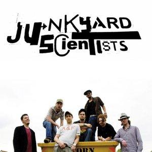 Bild för 'Junkyard Scientists'