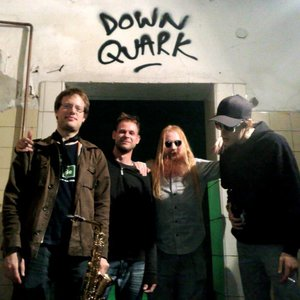 Image for 'DOWn qUArk'