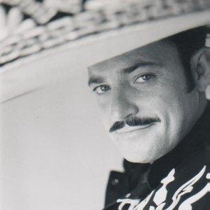 Image for 'Gildardo Alvarez'