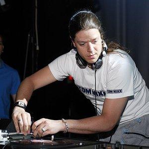 Bild für 'DJ Bonebreaker'