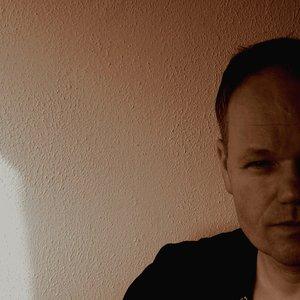 Immagine per 'Erik Adams'