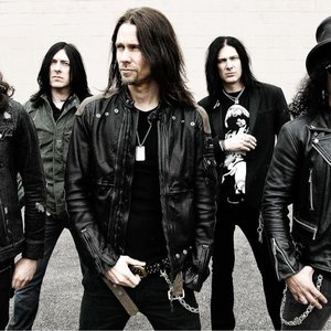 Image for 'Slash featuring Myles Kennedy And The Conspirators'