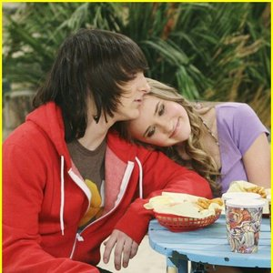 Image pour 'Mitchel Musso & Emily Osment'
