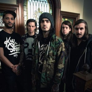 Bild för 'Like Moths to Flames'